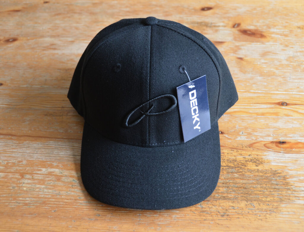 Decky snapback cap with 3D Embroidery